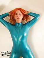 Redhead Rachel in hot blue Latex